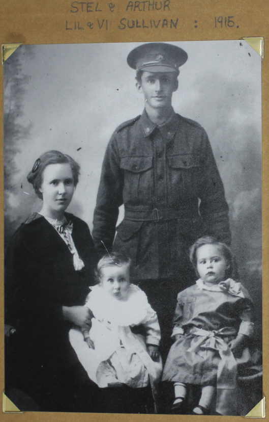 1915 Arthur and family