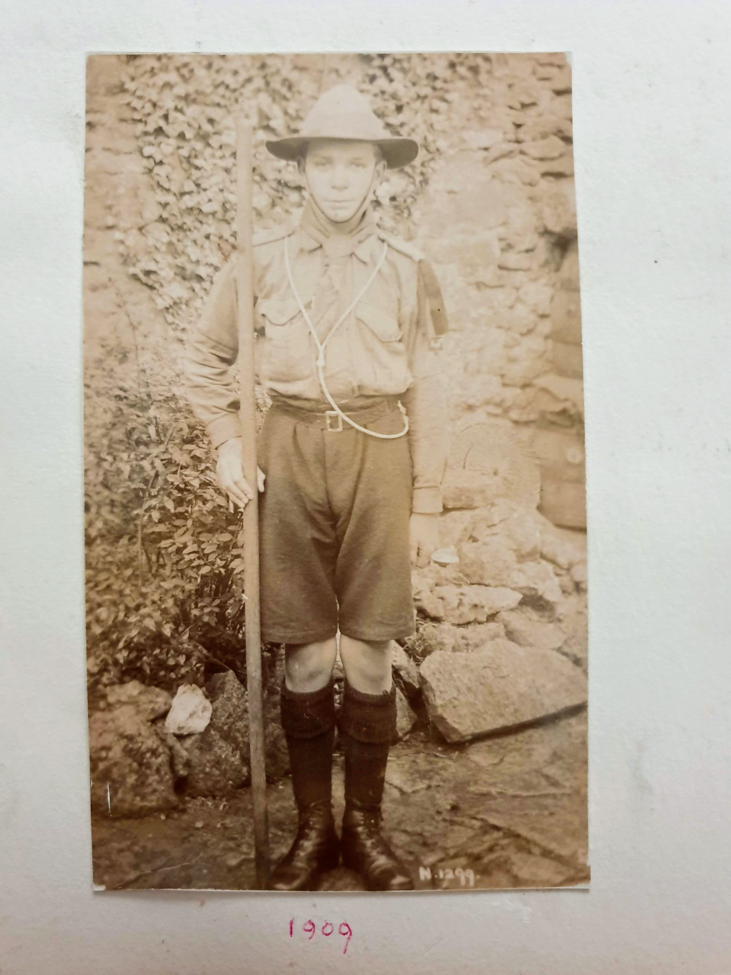 G W Symes 1909 scout