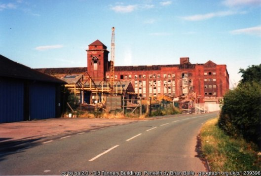Penketh tannery formerly brewery 1996 geograph-1239396-by-Brian-Balfe