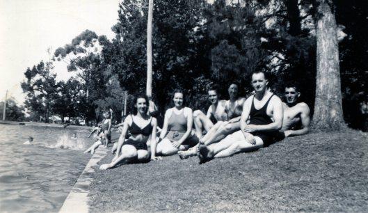 Bendigo Gardens 1940s Marjorie Joyce Roy NotSure Jack Arthur