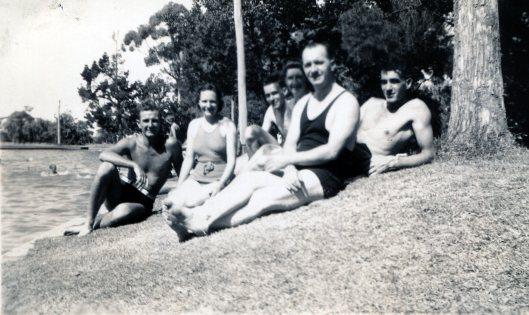 Bendigo Gardens 1940s Peter Violet Roy Joyce Jack Arthur