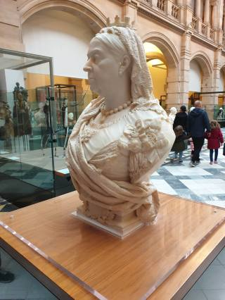 Queen Victoria at Kelvingrove