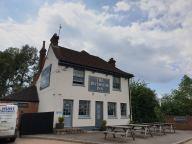 20190525 Ashford Riverside pub _135945