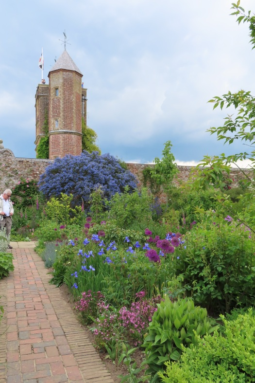 20190525 Sissinghurst view of tower 150040_IMG_6051
