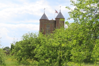 20190525 Sissinghurst view of tower 151929_IMG_6104