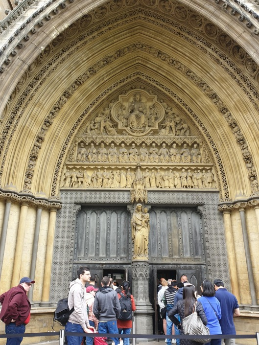 20190527 Westminster Abbey queue _130112